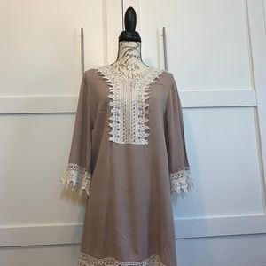 WEST KEY BLOUSE WITH LACE
